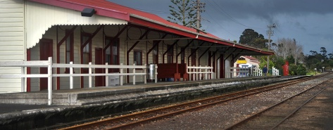 Helensville Railway Station with the Museum behind
