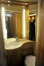 Frankias T7400 Bathroom