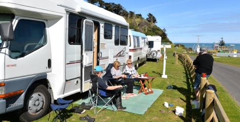 Our friends from Wanganui enjoying the sun.