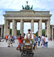 A happy Wurlitzer player at the Brandenburg Gate