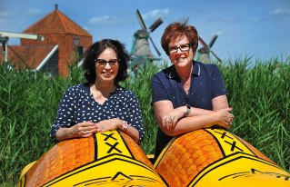 Fiona and Dianne share a pair of Clogs !
