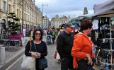 Fiona, Gary and Dianne getting into the shopping