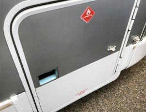 Gas locker minus lock